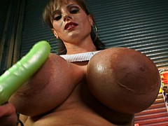 Cindy Cupps Mammoth Tits Get A Rubbing